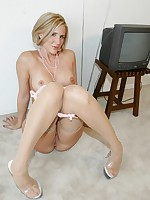 Naughtyathome.com ~Desirae is your dirty talking wife next door!