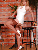Welcome to Nylon-Angel.com ~Angel in sheer cupreous reinforced heel stockings~