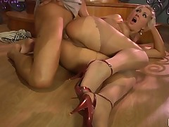Flossie and Govard amazing anal pantyhose movie