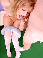 :: Footjob in heels and Pantyhose ::Pantyhoseinnylons.com ~*the world in nylons and pantyhose*~