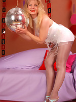 Angel in grey shiny Pantyhose * WHERE PANTYHOSE DREAMS COME TRUE *