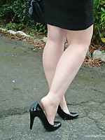 Gorgeous Nicola takes a walk outside with regard to will not hear of black high heels.