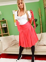 Inviting blonde shows off say no to consummate cruves when she slips out of say no to red skirt and tight uninspiring top.
