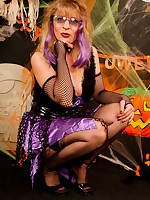 Promoter Lovette in black FF Stockings as Witch