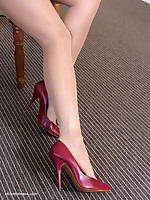 stilettoetease.com the ultimate battalion ribbing you with their high heels and stilettos