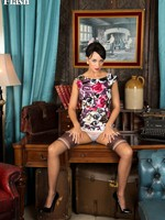 Tracy Rose in a stunning outfit with an increment of some colossal vintage nylons!